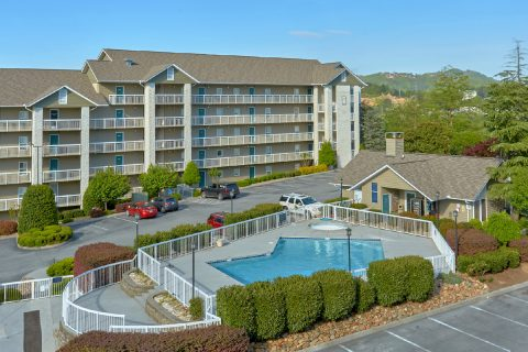 Resort Pool 3 Bedroom Condo - My Pigeon Forge Retreat