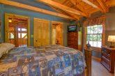 Beautiful 5 Bedroom Cabin Sleeps 20