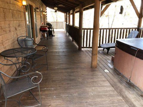 Lots of Deck Space 5 Bedroom Cabin - Mystic Ridge