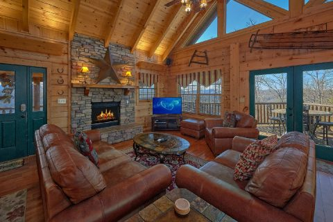 Luxurious 5 Bedroom Cabins Sleeps 20 - Mystic Ridge