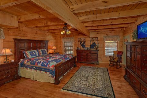 Main Floor Master Suite 5 Bedroom Cabin Sleep 20 - Mystic Ridge