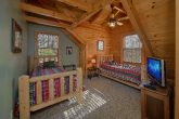 Beautiful 5 Bedroom Cabin Sleeps 20