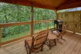 2 Bedroom cabin with Gas grill and Rocking Chair