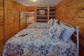 Rustic 2 Bedroom Cabin with Twin Beds