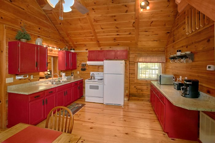 Wears Valley Cabin with Fully Stocked Kitchen - Natures Dream