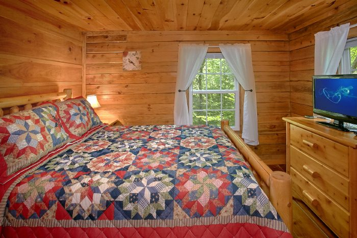 Wears Valley Cabin with Private Queen Bedroom - Natures Dream