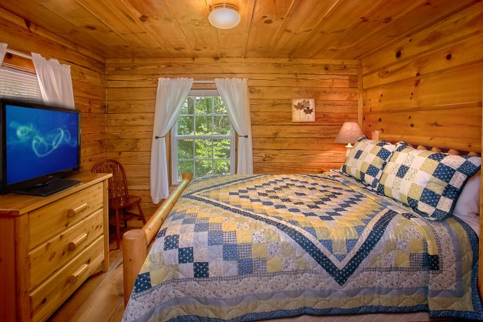 Rustic Cabin with 2 Private Queen bedrooms - Natures Dream