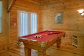Spacious 4 Bedroom cabin with Pool Table and TV