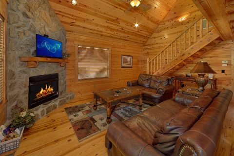2 Bedroom 2 Bath Sleeps 5 in White Oak Resort - Noah's Getaway