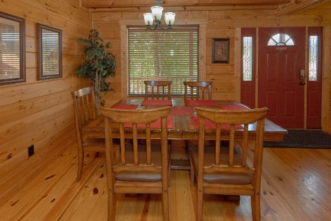 2 Bedroom 2 Bath Cabin Sleeps 5 - Noah's Getaway