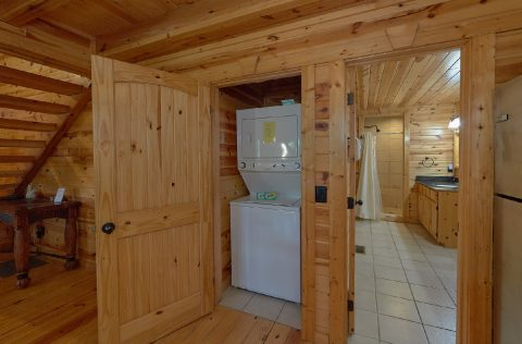 2 Bedroom Cabin With Washer and Dryer - Noah's Getaway