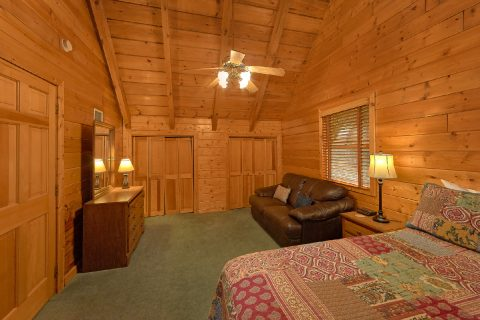 Cabin in Gatlinburg with 3 Queen Bedrooms - Oakland #1