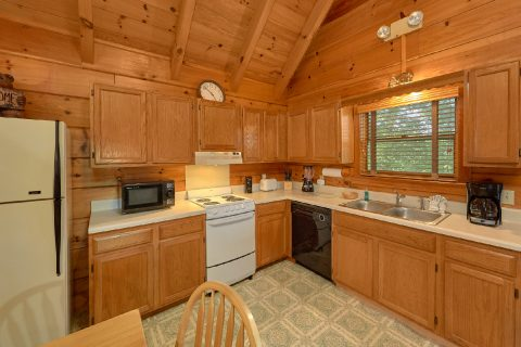 Rustic 2 Bedroom Cabin with Full Kitchen - Oakland #2