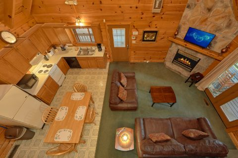 Gatlinburg Cabin with 2 bedrooms and Fireplace - Oakland #2