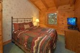 2 Bedroom cabin with 2 King beds and Jacuzzi