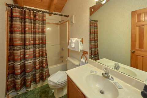 Gatlinburg Cabin with 2 King Bedrooms and Baths - Oakland #2