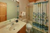 Private Gatlinburg Cabin with 2 full bathrooms