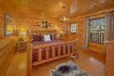 4 bedroom Cabin with Luxury Bedrooms Sleeps 14