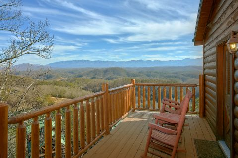4 Bedroom 3 Bath cabin with Spectacular Views - On The Rocks