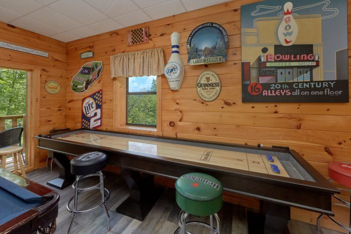 2 Bedroom Cabin Sleeps 6 with Game Room - One More Night