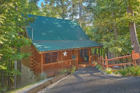 Mountain Hideaway: 1 Bedroom Sevierville Cabin Rental