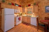 1 Bedroom Cabin with a Fully Stocked Kitchen