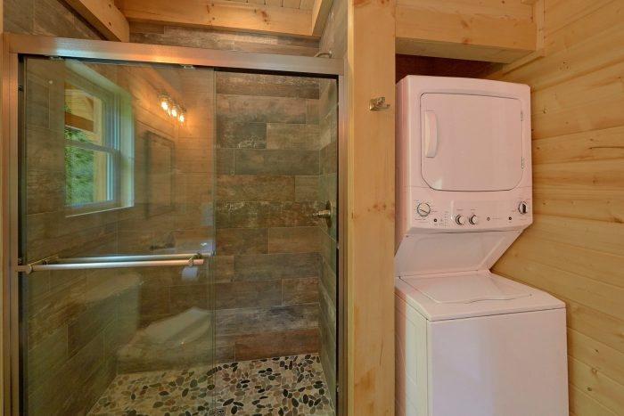 Honeymoon cabin with Luxurious shower - Out On A Limb