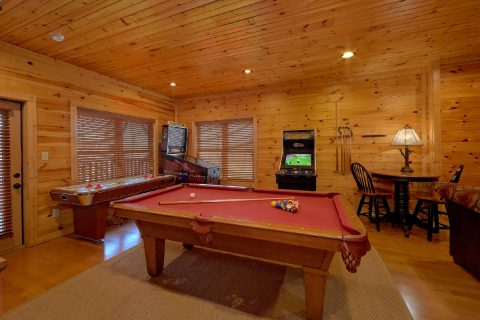 Large Open Game Room with Pool Table - Panorama