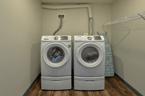 6 Bedroom with Full Size Washer and Dryer - Patriots Point Retreat