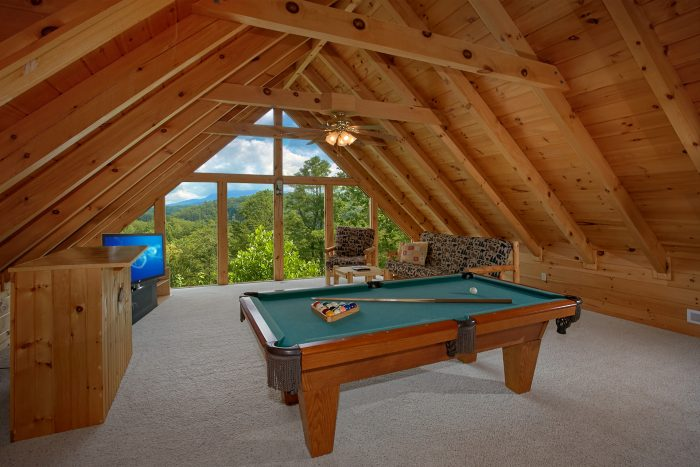 1 Bedroom Cabin with Pool Table & Views - Peek A View