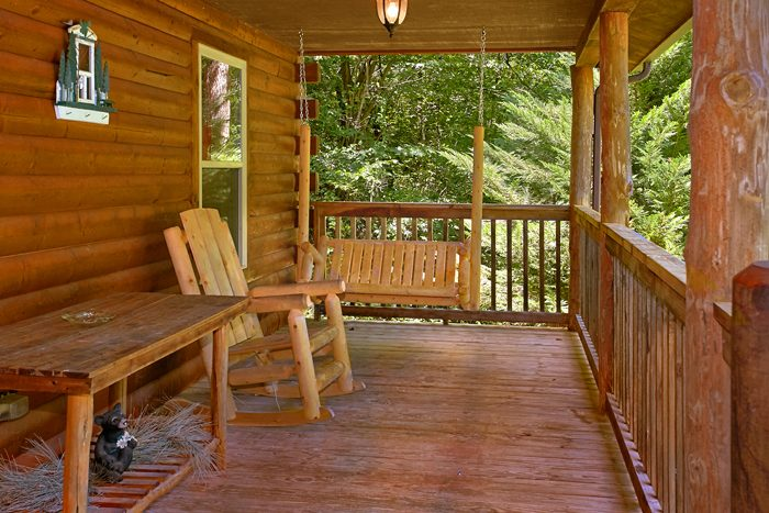 2 Bedroom Cabin with Porch Swing - Pigeon Forge Hideaway