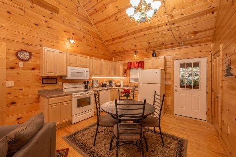 Rustic 2 Bedroom cabin with full kitchen - Pleasant Hollow