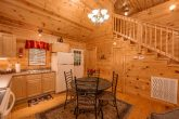 2 bedroom cabin with kitchen and Dining room