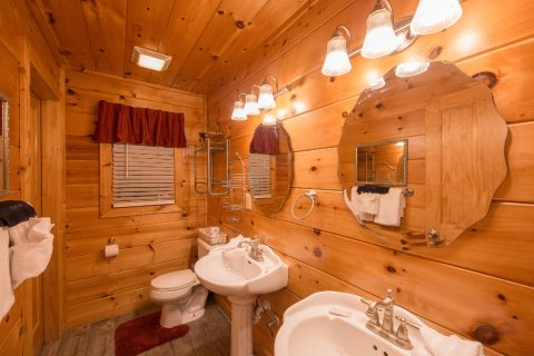 Cabin with master bedroom and private bath - Pleasant Hollow