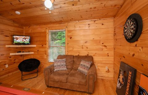 Cabin game room with Darts and Pool Table - Pleasant Hollow
