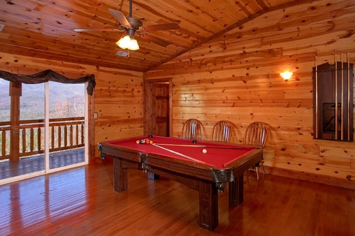 6 Bedroom Cabin with Pool Table and Game Room - Pool and a View Lodge