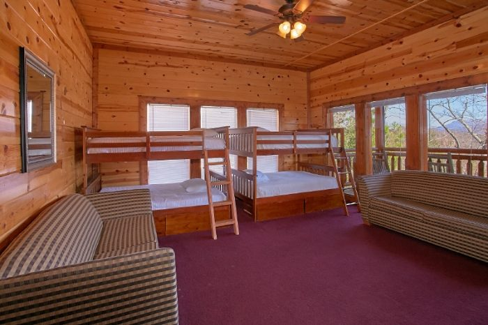 Premium Cabin with 6 Bedrooms and Bunk Beds - Pool and a View Lodge