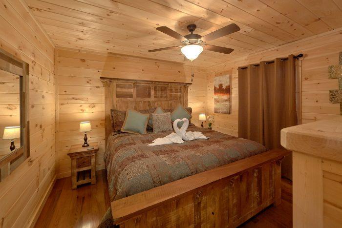 2 Bedroom Cabin Main Floor Master Suite - Pool N Around