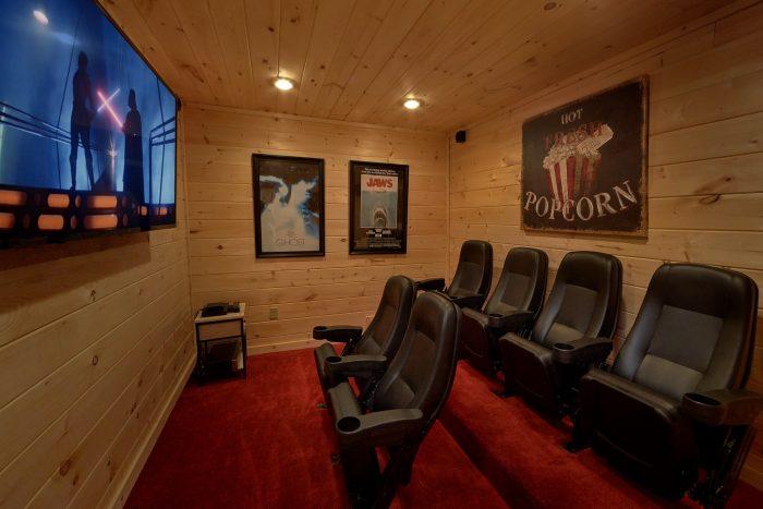 Theater Room 2 bedroom Cabin Sleeps 6 - Pool N Around