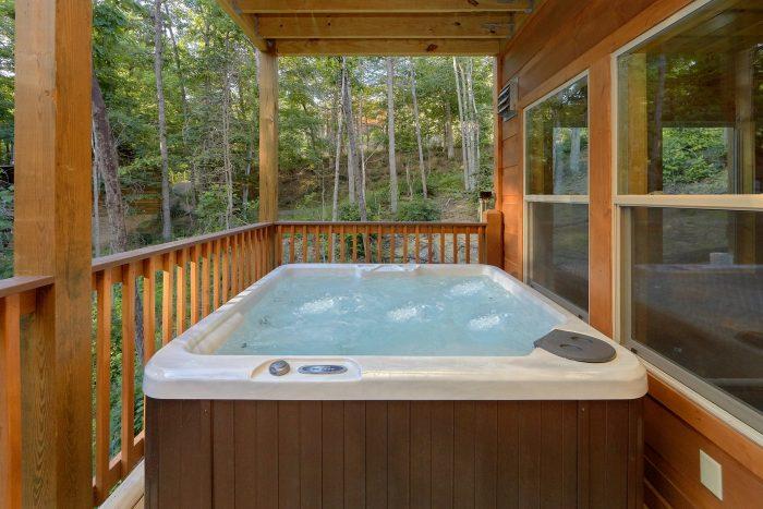 Private Hot Tub 2 Bedroom Cabin - Pool N Around