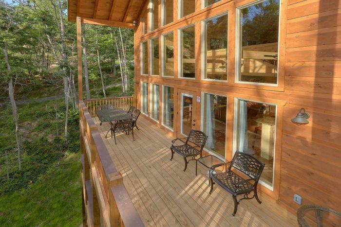 Lots Of Deck Space 2 Bedroom Pool Cabin - Pool N Around