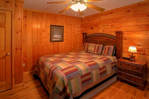 6 Bedroom Cabin Sleeps 16 in Hidden Springs - Poolside Lodge 2