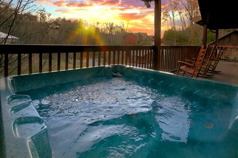 6 Bedroom Cabin Sleeps 16 with Hot Tub - Poolside Lodge 2