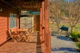 6 Bedroom Cabin Sleeps 16 with Rocking Chairs