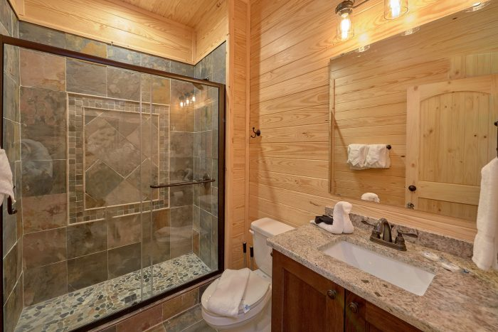 7 Bedroom cabin with 7 full baths and 2 half - Poolside Lodge