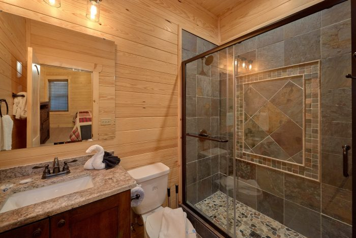7 Bedroom with Private Bathrooms in every room - Poolside Lodge