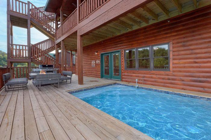 Cabin with Private Pool and Resort Swimming Pool - Poolside Lodge