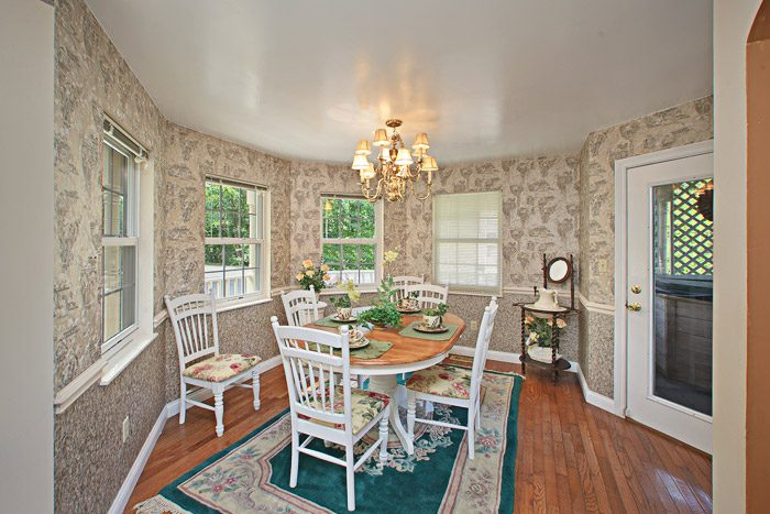 Cabin with Large Dinning Room - Queen Margaret