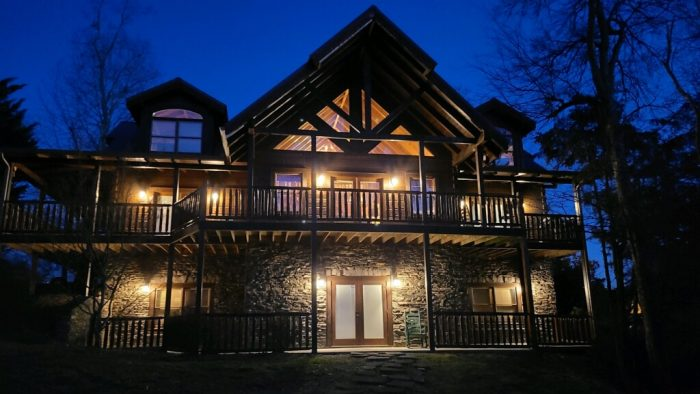 Quiet Oak Cabin Rental Photo