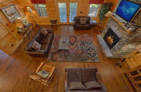 Large Open Space 6 Bedroom Cabin Sleeps 26 - Quiet Oak